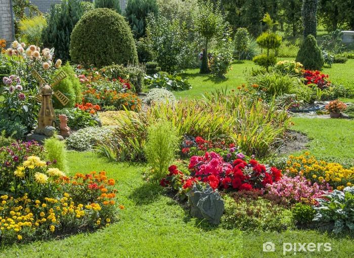 Papier peint vinyle Jardin fleuri et paysagé - iStaging