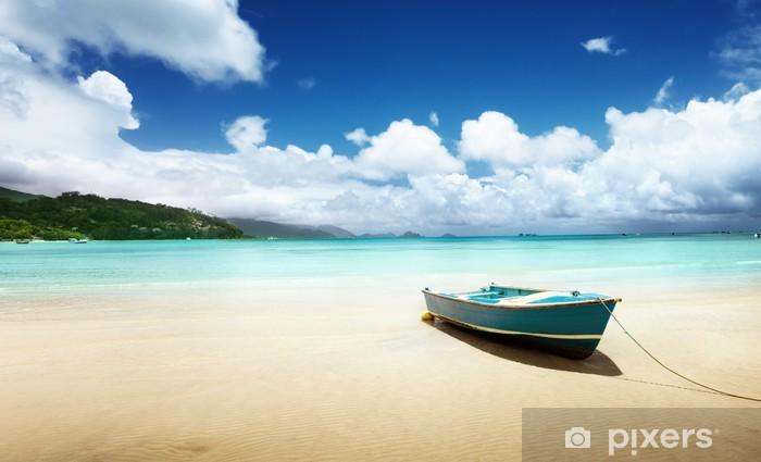 Vinylová fototapeta Loď na pláži Ostrov Mahé, Seychely - Vinylová fototapeta