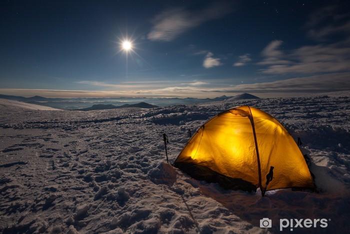 Naklejka Pixerstick Camping podczas zimowych wędrówek w Karpatach - Pory roku