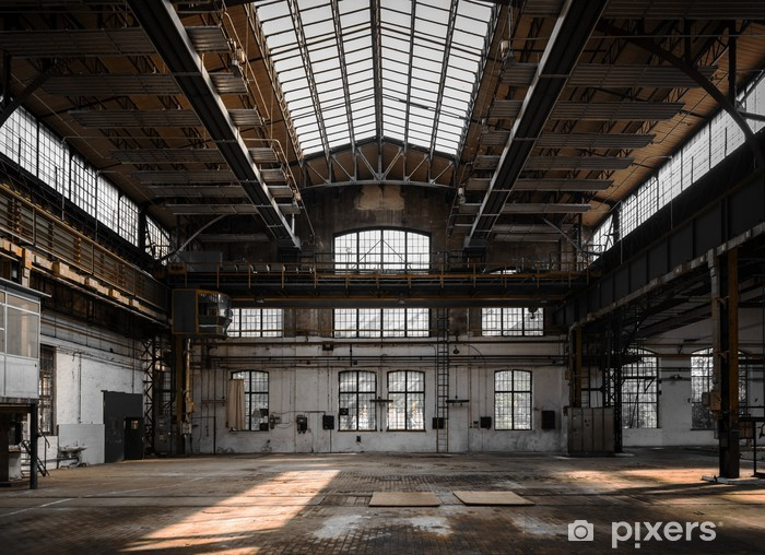 Fototapeta winylowa Przemysłowe wnętrze starej fabryki - Przemysł ciężki