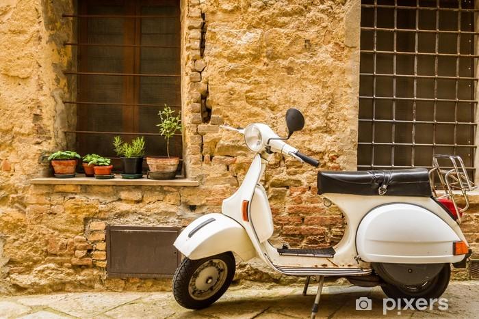 Fotomural Estándar Escena de la vendimia con la Vespa en calle antigua - Vespa