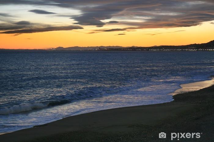 Naklejka Pixerstick Zachód słońca nad morzem Śródziemnym w Nicea, Riwiera Francuska. - Niebo