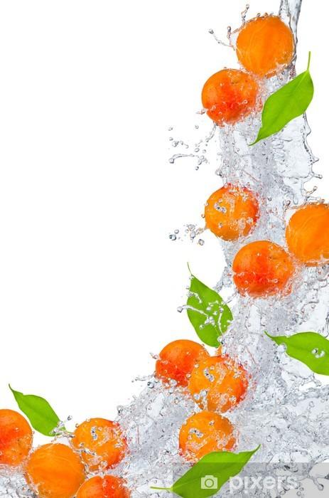 Nálepka Pixerstick Meruňky se stříkající vodě na bílém - Ovoce