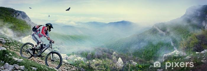 Vinyl Fotobehang Fietser in de bergen - Thema's
