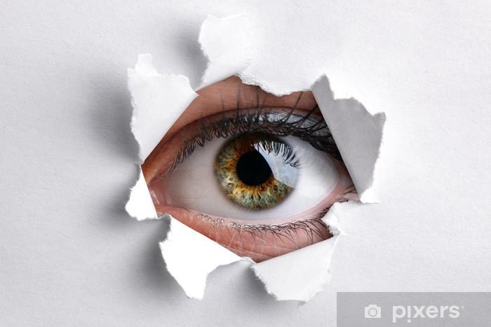 Fototapeta winylowa Patrząc przez otwór w białym papierze - Tematy