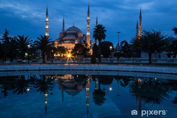 Fototapeta winylowa Błękitny Meczet w Stambule, na początku świetle świtu. - Bliski Wschód