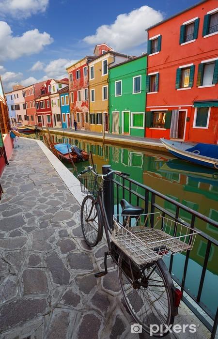 Fotomural Estándar Casas multicolores en la isla de Burano. Venecia. Italia. - Ciudades europeas