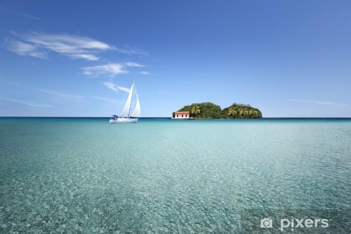 Papier peint vinyle Île au milieu d'un lagon avec voilier - Réussite