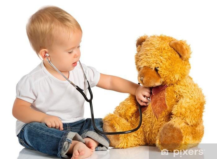 Papier peint vinyle Bébé joue dans le médecin ours en peluche et un stéthoscope - Santé et médecine