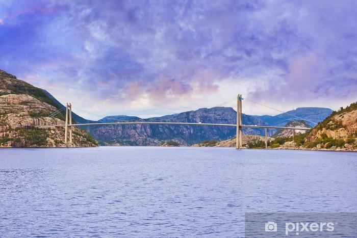 Naklejka Pixerstick Most w fiordu Lysefjord - Norwegia - Wakacje