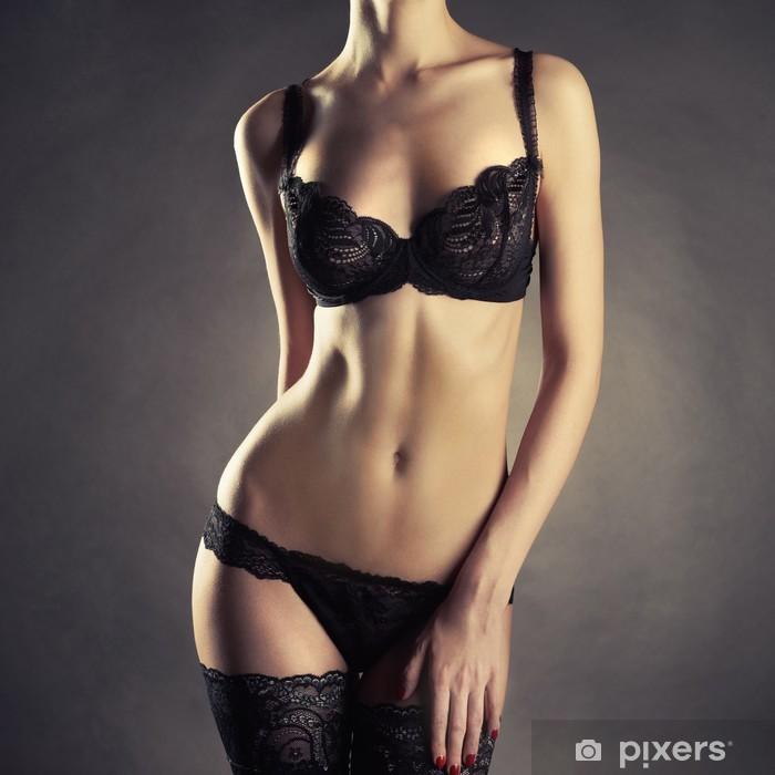 Poster Jeune femme en lingerie - Sous-vêtements