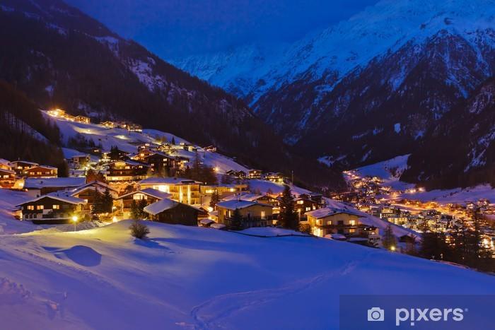 Papier peint vinyle Montagnes station de ski Sölden en Autriche au coucher du soleil - Vacances