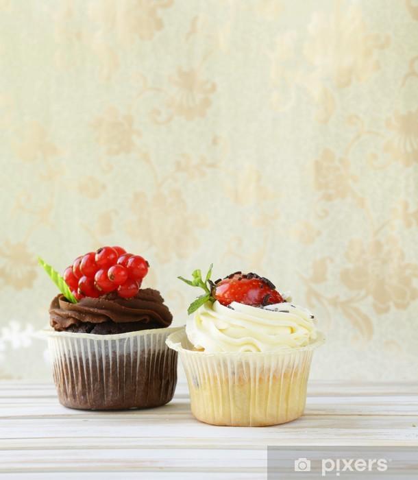 Papier peint vinyle Deux vanille et gâteaux au chocolat sur un fond de cru - Fêtes internationales
