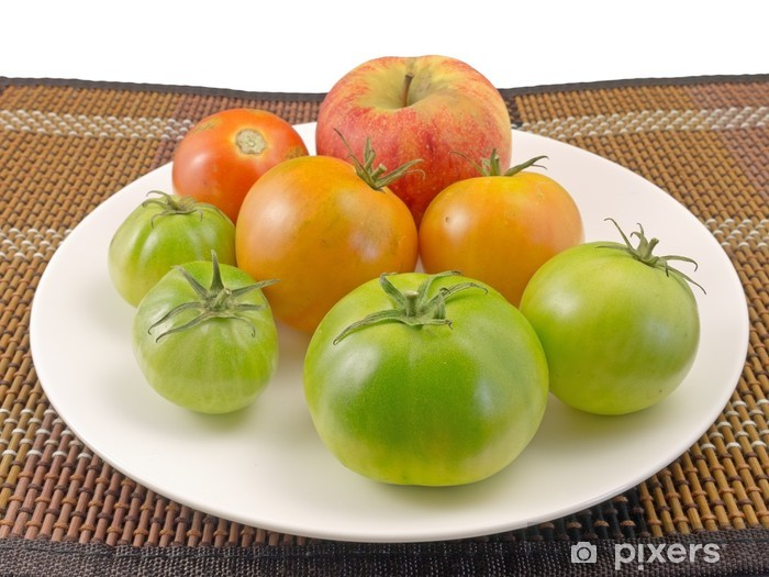 Fototapeta winylowa Pomidory dojrzewające - Warzywa