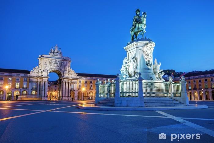 Vinyl-Fototapete Statue von König Joze ich in Abendablichtung - Europäische Städte