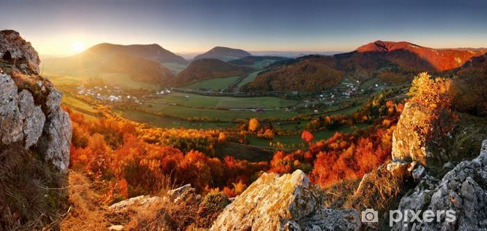 Papier peint vinyle Panorama d'automne avec le soleil et la forêt, la Slovaquie - Thèmes