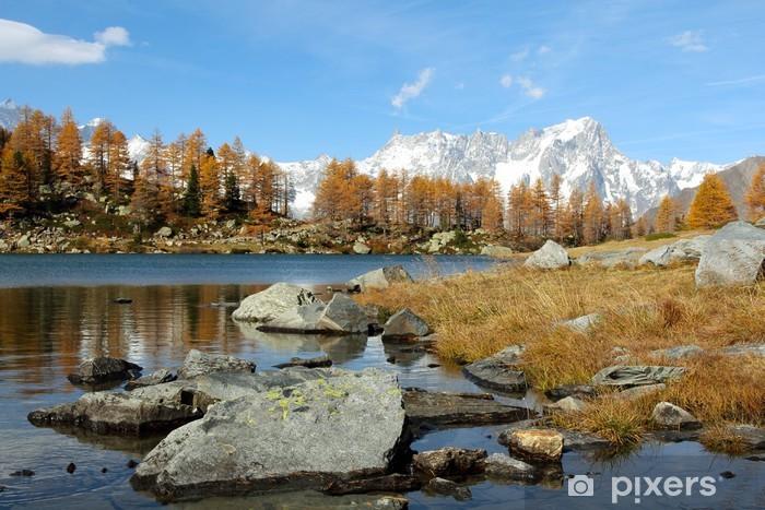 Sticker Pixerstick Vue panoramique du lac Arpy à l'automne - Europe