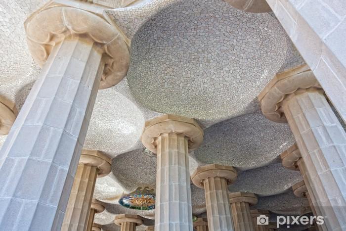 Sticker Pixerstick Salle de 100 colonnes dans le Parc Guell de Gaudi à Barcelone - Monuments