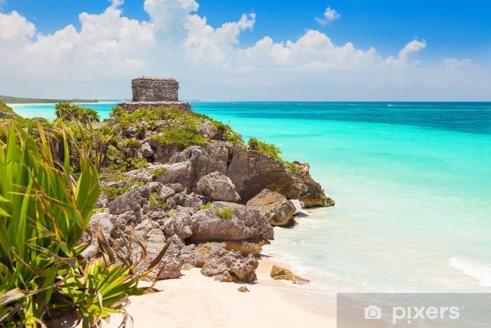 Fotomural Estándar Dios del Templo vientos en el mar turquesa del Caribe. Tulum, México - Vacaciones
