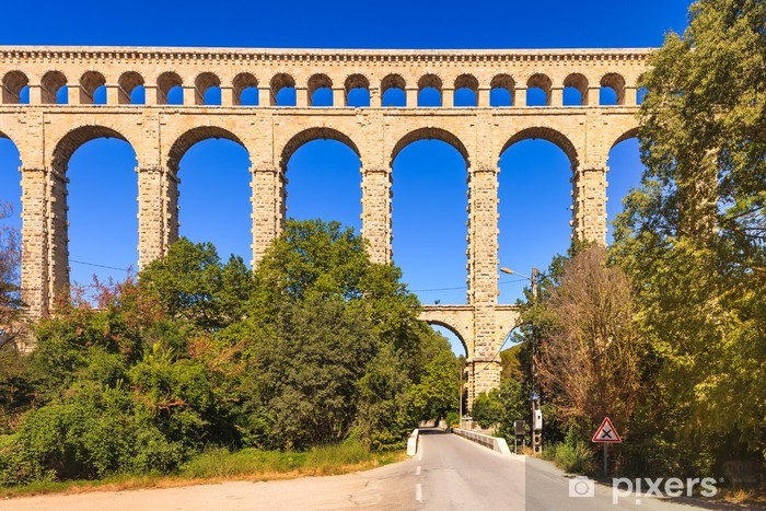 Sticker Pixerstick Roquefavour historique vieux monument de l'aqueduc en Provence, France. - Europe