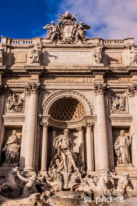 Fototapeta winylowa Fontanna di Trevi - znanym obiektem w Rzymie - Europa