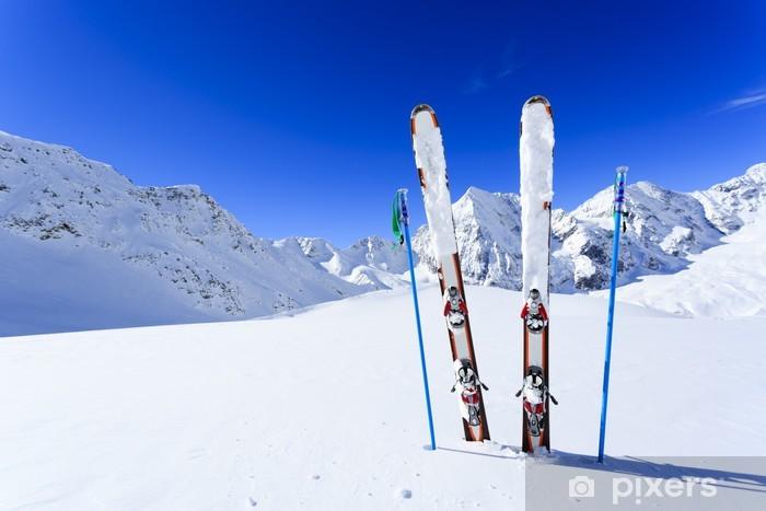 Sticker Pixerstick Ski, saison d'hiver, les montagnes et les équipements de ski - Le ski