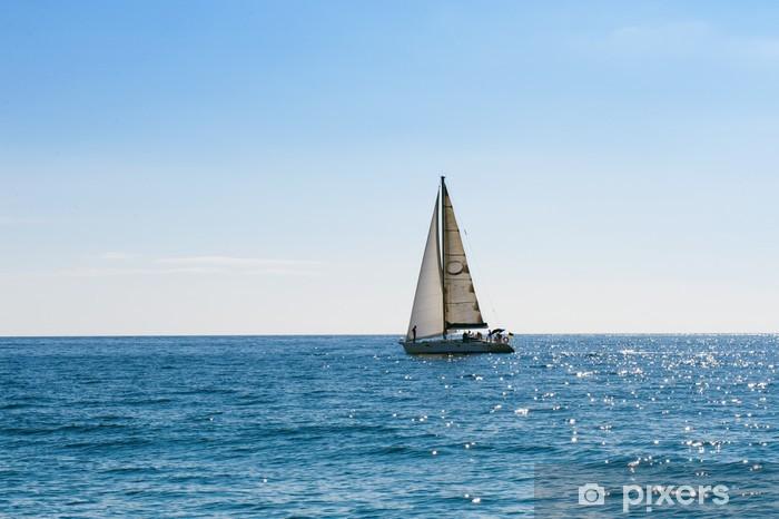 Papier Peint Petit Voilier Dans La Mer Bleue Et Calme Pixers Nous Vivons Pour Changer