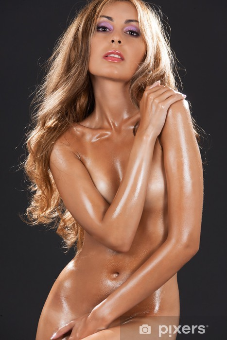 Musta kauniita naisia alasti