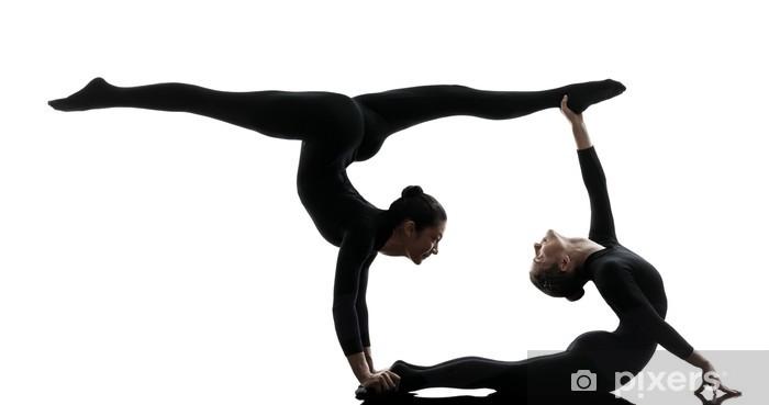 Fotomural Estándar Dos mujeres contorsionista ejercicio silueta yoga gimnasia - Deportes individuales