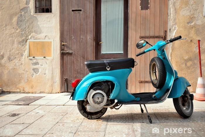 Pixerstick Aufkleber Weinlese-italienische Motorroller Vespa auf alten mittelalterlichen Straße - Vespa