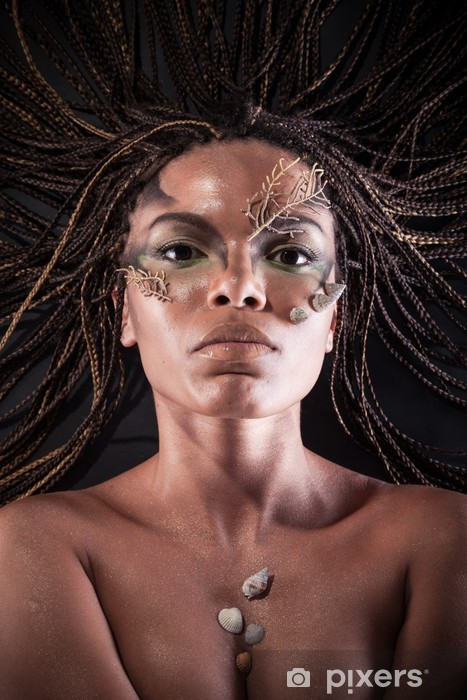 Africká nahá žena