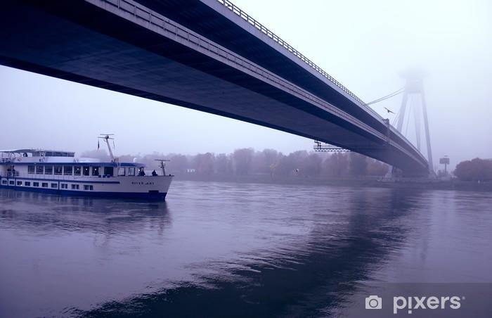 Papier peint vinyle Bratislava = nouveau pont - Europe