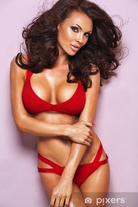 c087e4464 Fototapeta vinylová Desireble brunetka žena na sobě červené spodní prádlo