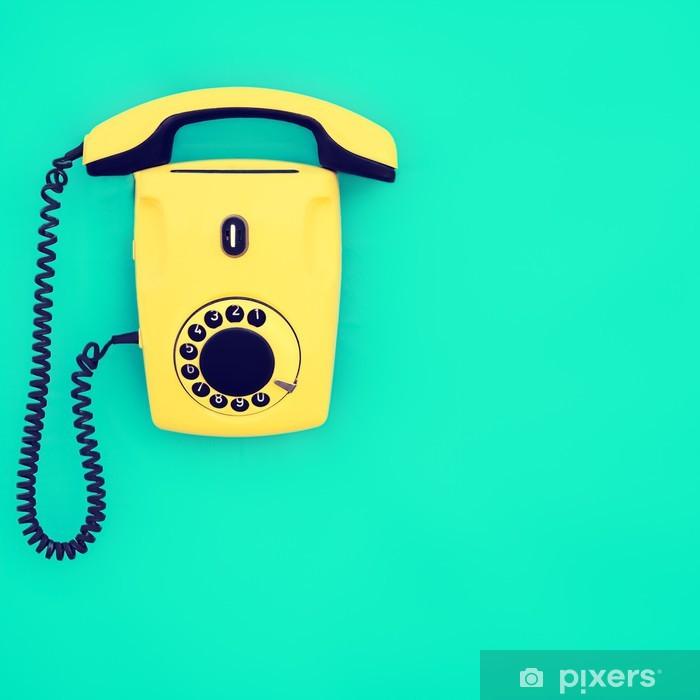 Adesivo Giallo Telefono Retrò Su Sfondo Blu Pixers Viviamo Per