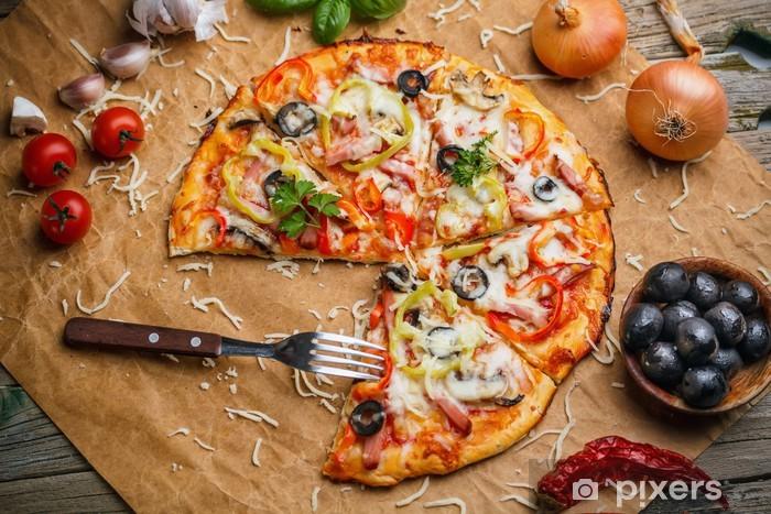Carta da Parati in Vinile Pizza fresca italiani - Spazio da decorare