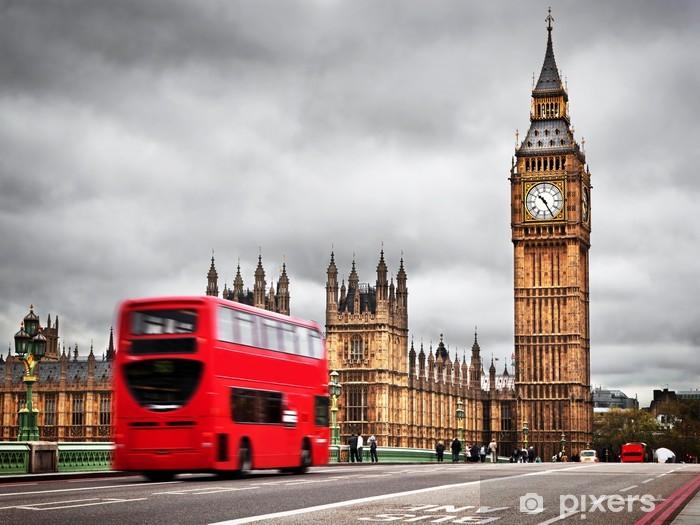 Fotomural Estándar Londres, Reino Unido. Bus rojo en el movimiento y el Big Ben - Temas