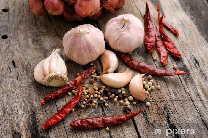 Sticker Pixerstick Herbes et épices sur fond de bois - Epices, herbes et condiments
