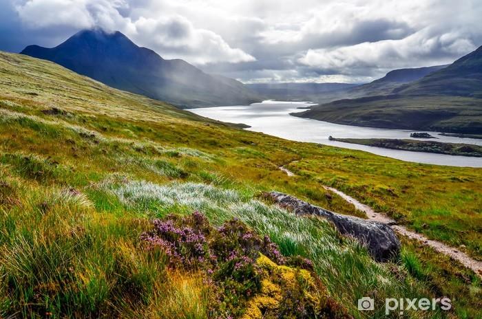 Vinyl Fotobehang Schilderachtig uitzicht op het meer en de bergen, Inverpolly, Schotland - Europa