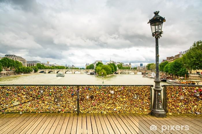 Vinyl-Fototapete Liebes-Vorhängeschlösser auf Brücke Pont des Arts, Paris, Frankreich. - Europäische Städte