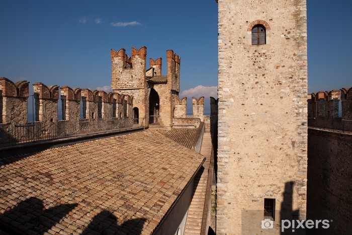 Naklejka Pixerstick Scaliger Castle, Sirmione, Jezioro Garda - Europa