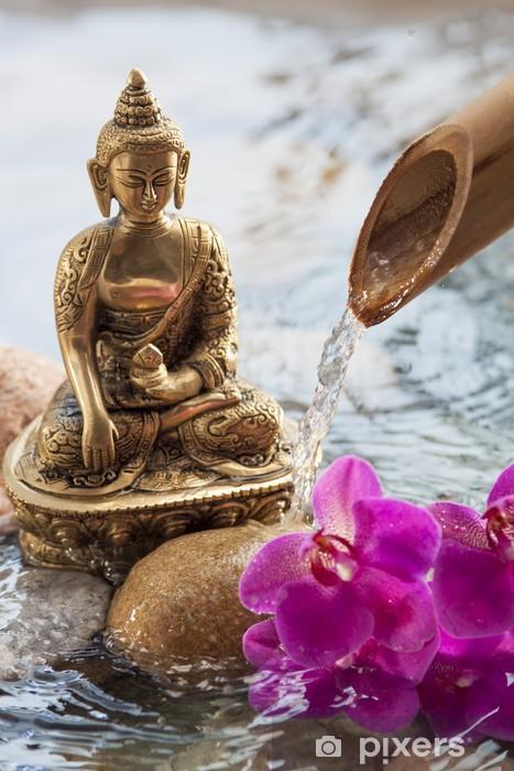 Papier peint vinyle Bouddha en méditation avec des fleurs et de l'eau - Thèmes