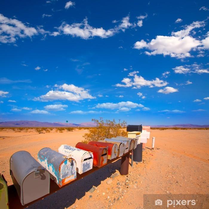 Naklejka Pixerstick Skrzynki grunge mail w Kalifornii USA pustyni Mohave - Ameryka