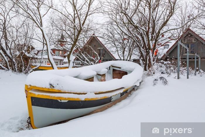 Naklejka Pixerstick Zimowe krajobrazy z łodzi rybackich na Morzu Bałtyckim w Polsce - Europa