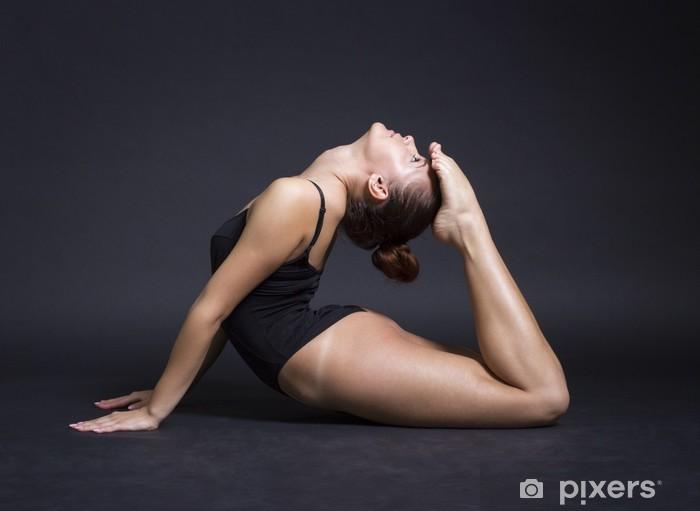 Papier peint vinyle Belle jeune femme de gymnaste - Santé