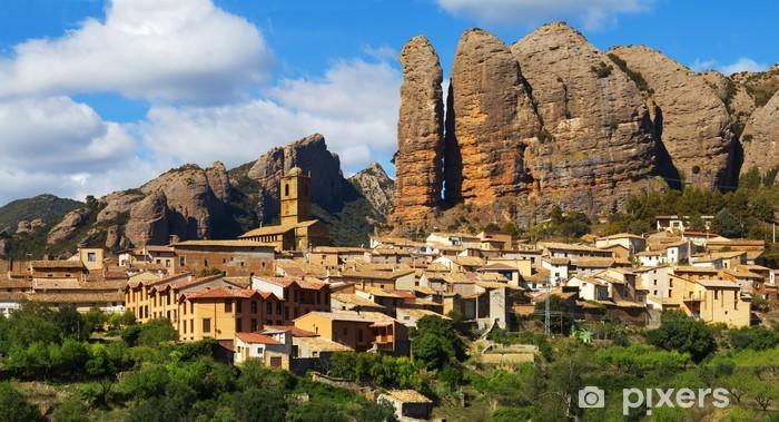 Vinyl-Fototapete Aguero ist eine Gemeinde in Huesca (Spanien) gelegen. - Europa