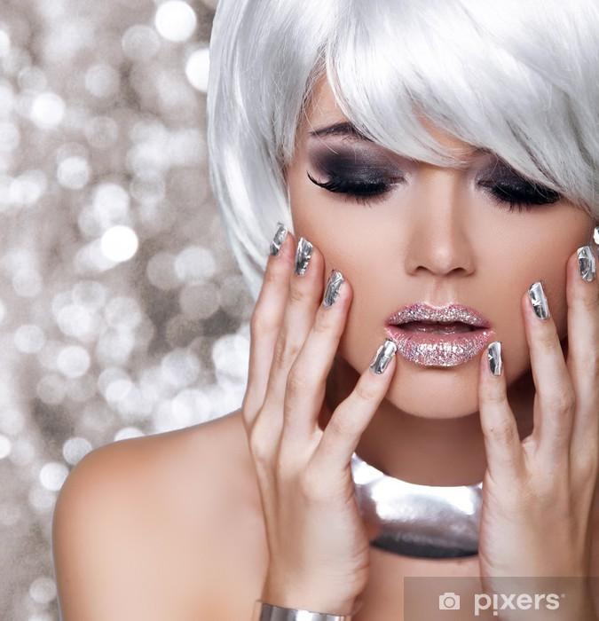 Fashion Blond Girl. Beauty Portrait Woman. White Short Hair. Iso Vinyl Wall Mural - Fashion