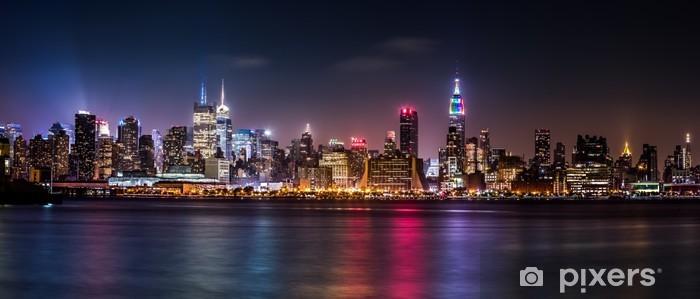 Fotomural Estándar Panorama de Manhattan durante el fin de semana del Orgullo -