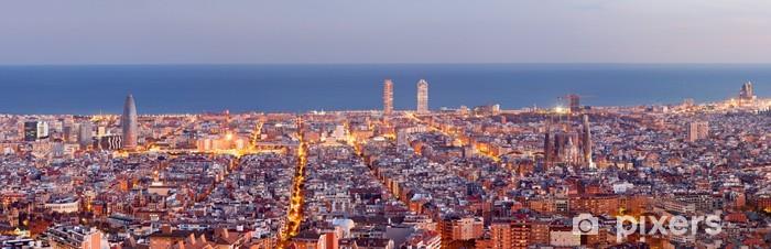Papier peint vinyle Barcelona skyline panorama au Blue Hour - Thèmes