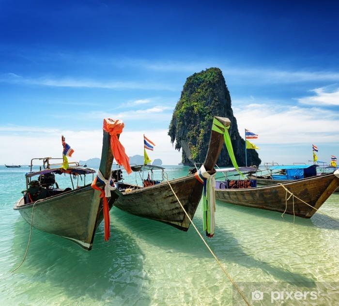 Naklejka Pixerstick Thai łodzi na Phra Nang Beach, Tajlandia - Natura i dzicz