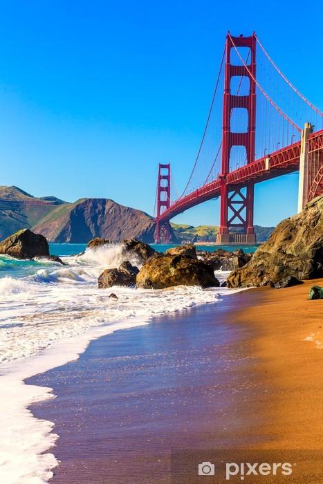 Fototapeta winylowa San Francisco Golden Gate Bridge Marshall Beach w Kalifornii - Tematy